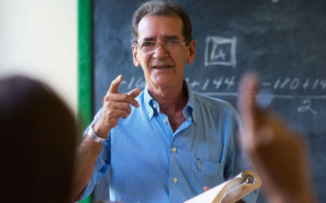 Regelwerk und Bildungsauftrag: Lehrerprobleme in der Pandemie